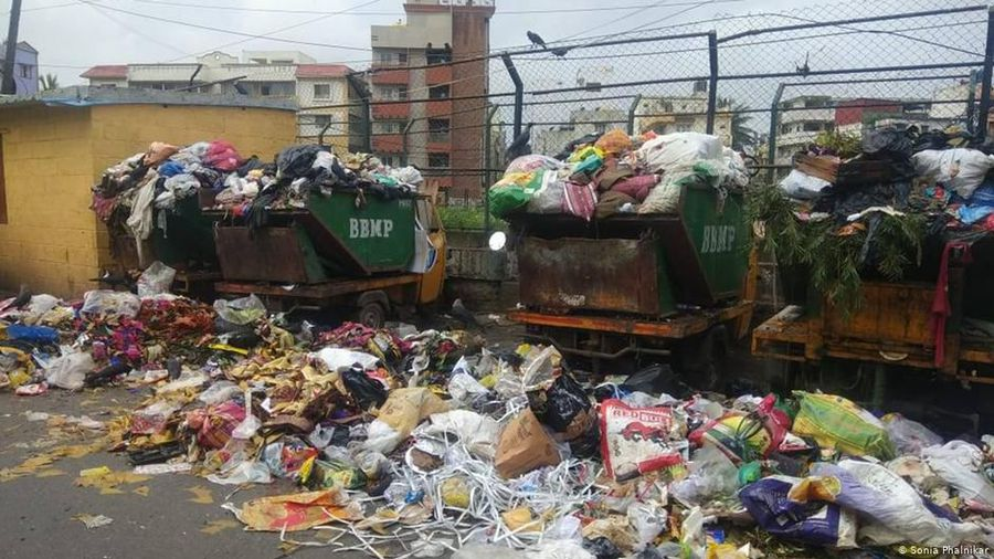 Bangalore: India's Silicon Valley sinks in trash