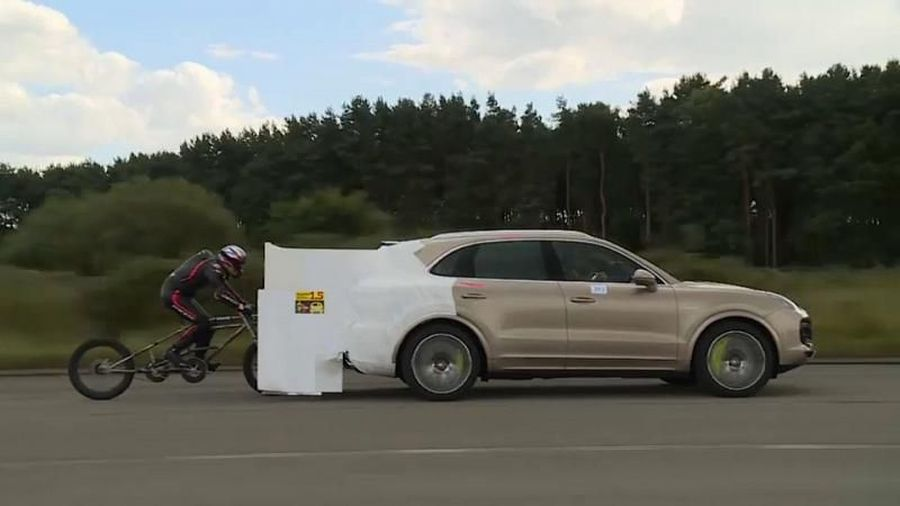 UK cyclist sets motor-paced speed world record