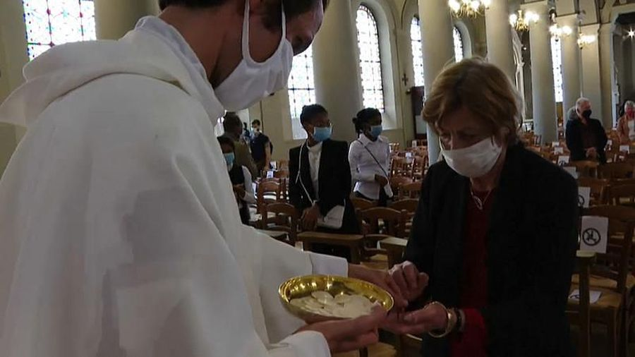 Religious services resume in France as easing of restrictions continues