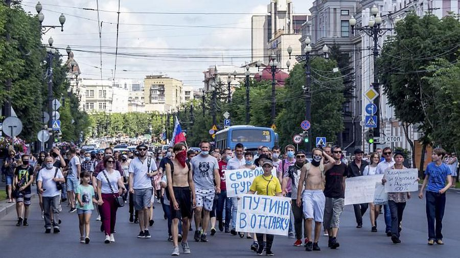 Thousands join weekend of anti-government protests in eastern Russia