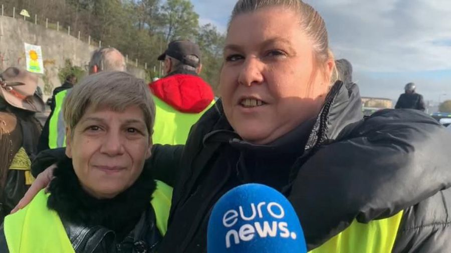 Gilets Jaunes one year on: Roadside 'big family' faces a crossroads