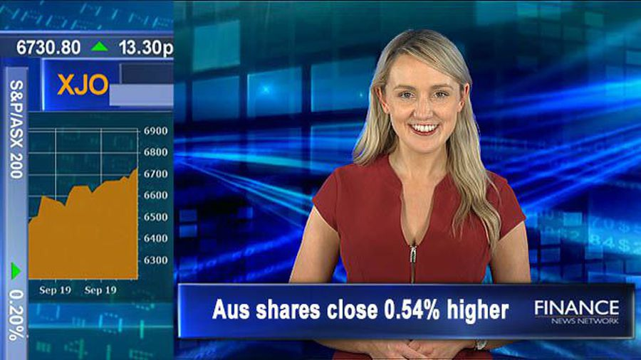 Fonterra director steps down: Aus shares close 0.9% higher over week