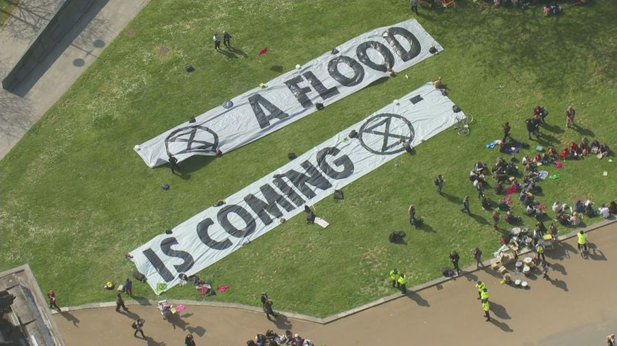 """Extinction Rebellion"" blocks London roads"