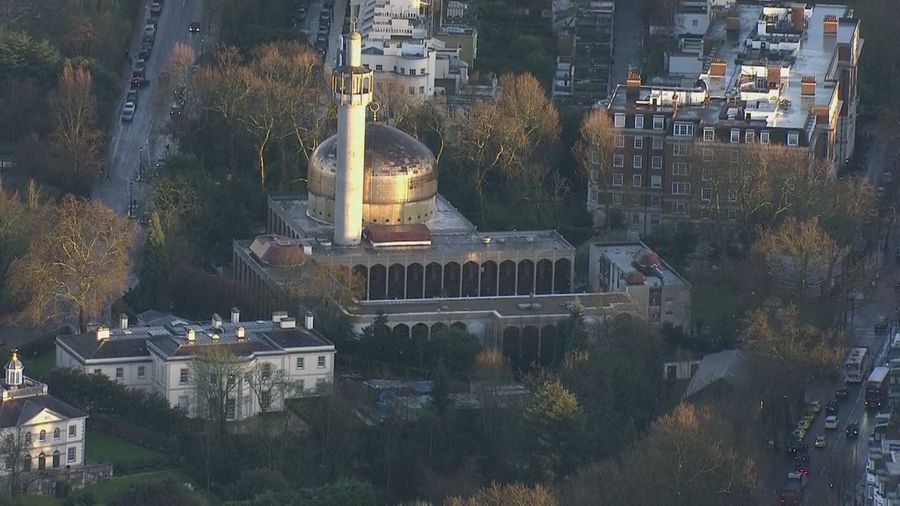One injured in London mosque stabbing