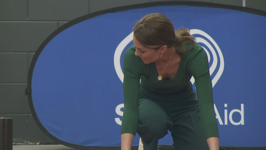 Duchess of Cambridge sprints and spars at SportsAid event
