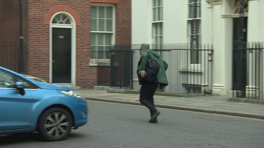 Dominic Cummings seen running out of No 10