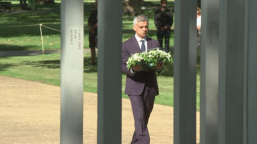7/7 bombing anniversary: officials lays wreaths at memorial