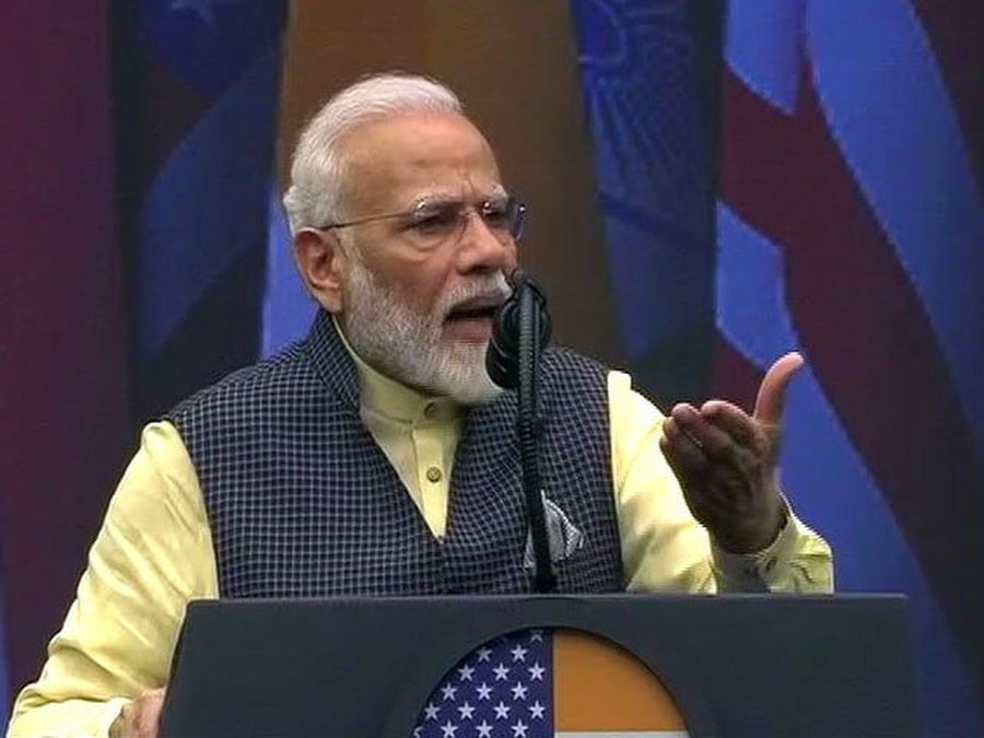 For Article 370, PM Modi Requests A Standing Ovation From Houston Crowd