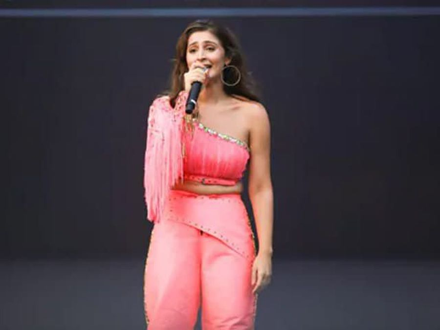 Dhvani Performs With Katy Perry, Dua Lipa At OnePlus Music Festival