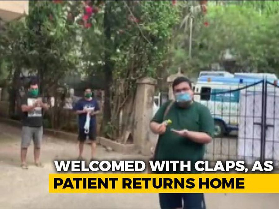 Mumbai Man Who Recovered From COVID-19 Welcomed With Claps
