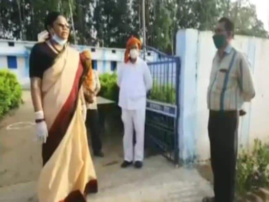 "On Camera, Union Minister's ""Beat With Belt"" Threat For Officials"