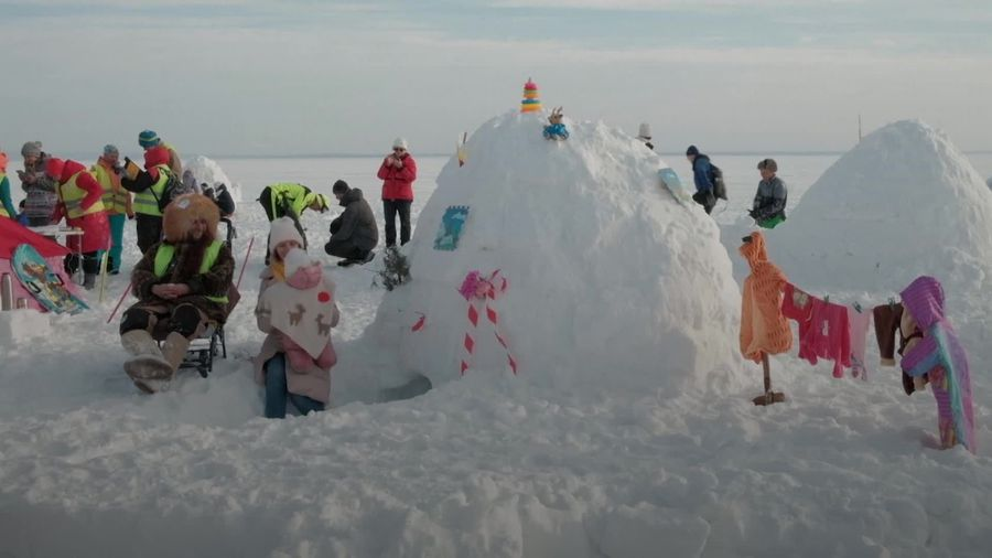 Igloo festival brings hundreds to Siberian reservoir