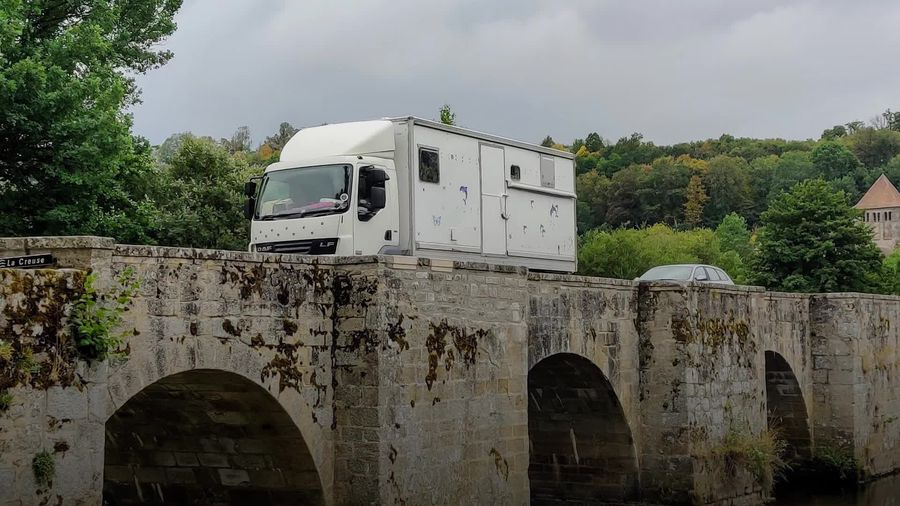 Couple swap home for Florry the Lorry