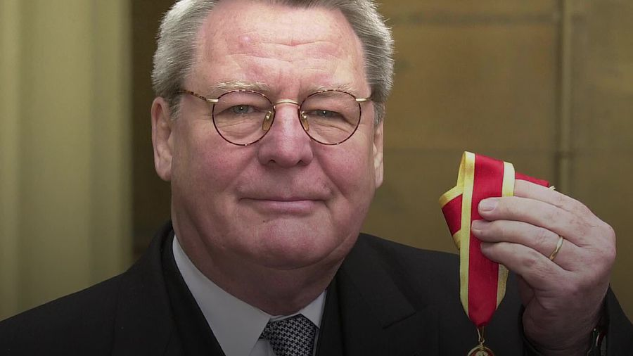 Bugsy Malone director Sir Alan Parker dies