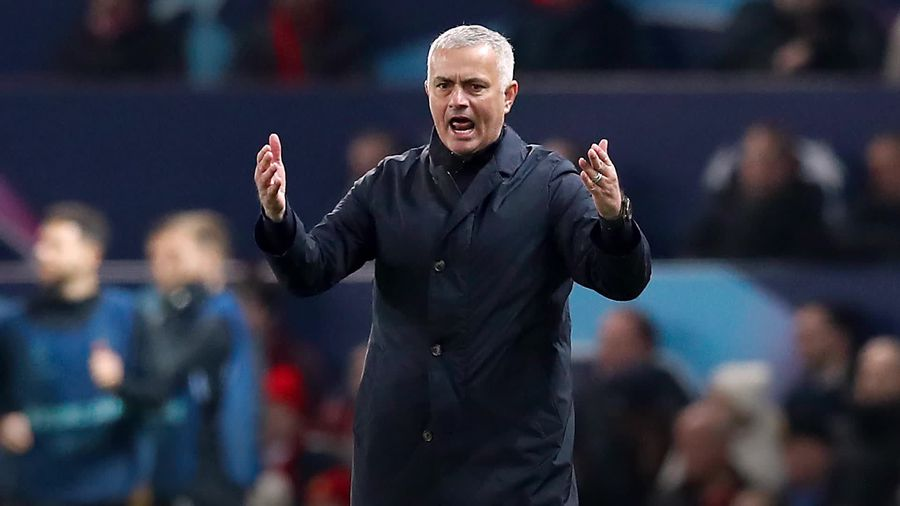 Mourinho explains why he kicked and slammed water bottles after United win