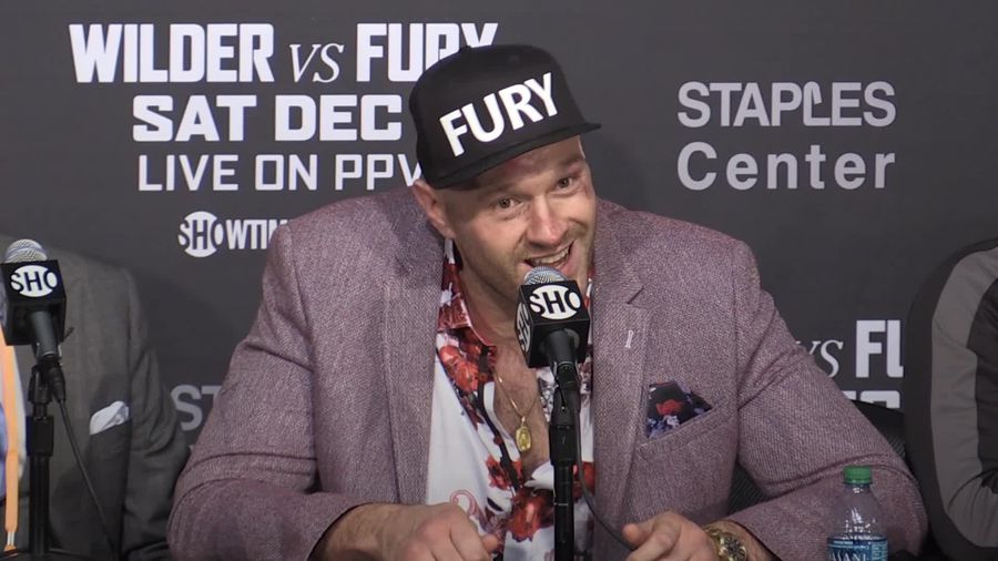 Tyson Fury sings American Pie