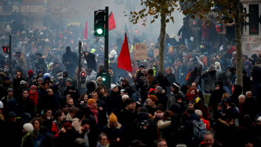 Can striking cops and transport freeze France?