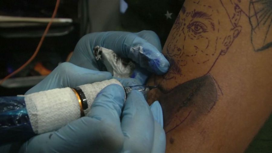 Inspired by U.S. pop culture, young Iraqis get inked