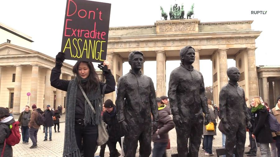 Sculpture of Assange, Snowden, and Manning returns to Berlin