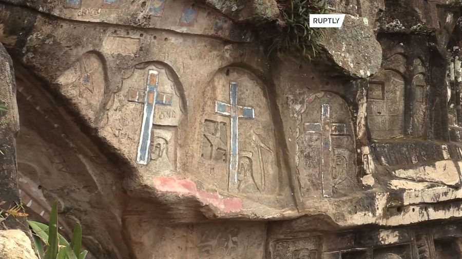 Hermit spends 40 years sculpting mountain face into art attraction