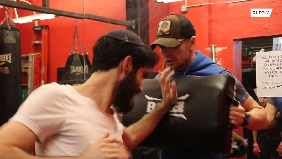 Champion boxer and rabbi teaches self-defence in the wake of anti-Semitic attacks