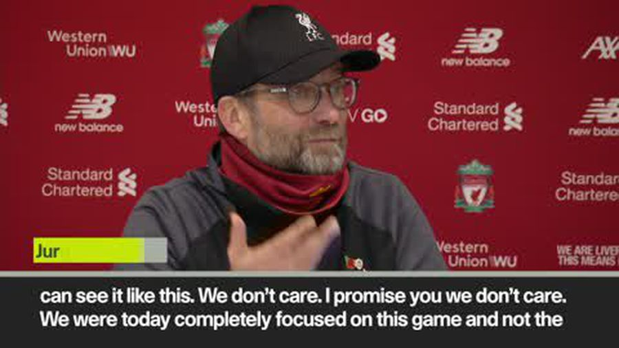 """""""Who wants to be top in November?"""" Klopp plays down lead over Man City"""