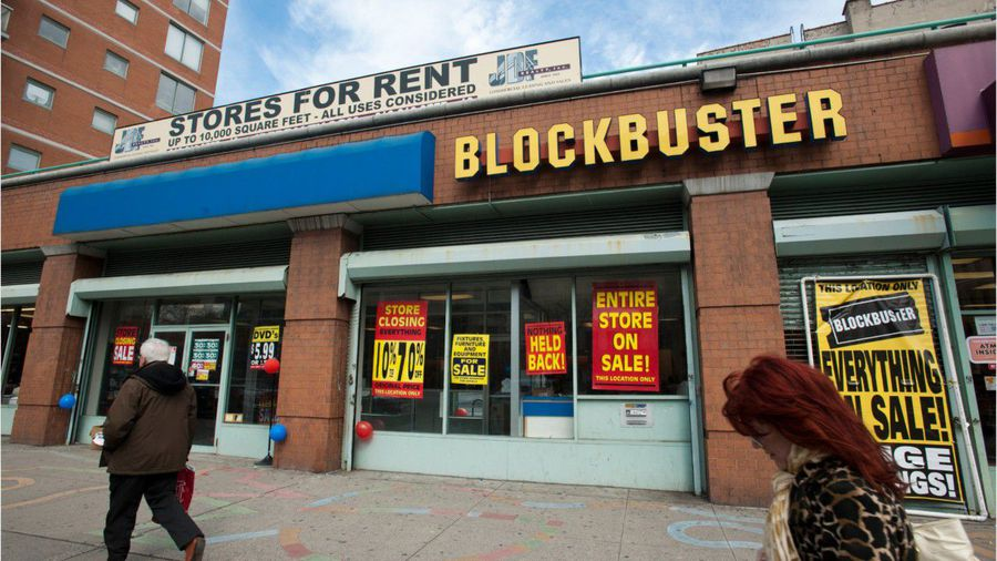 Watch World S Only Blockbuster Store To Become A Temporary Airbnb