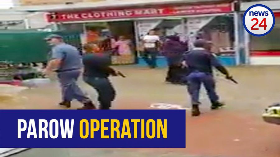 WATCH: Chaos ensues during police operation in Parow