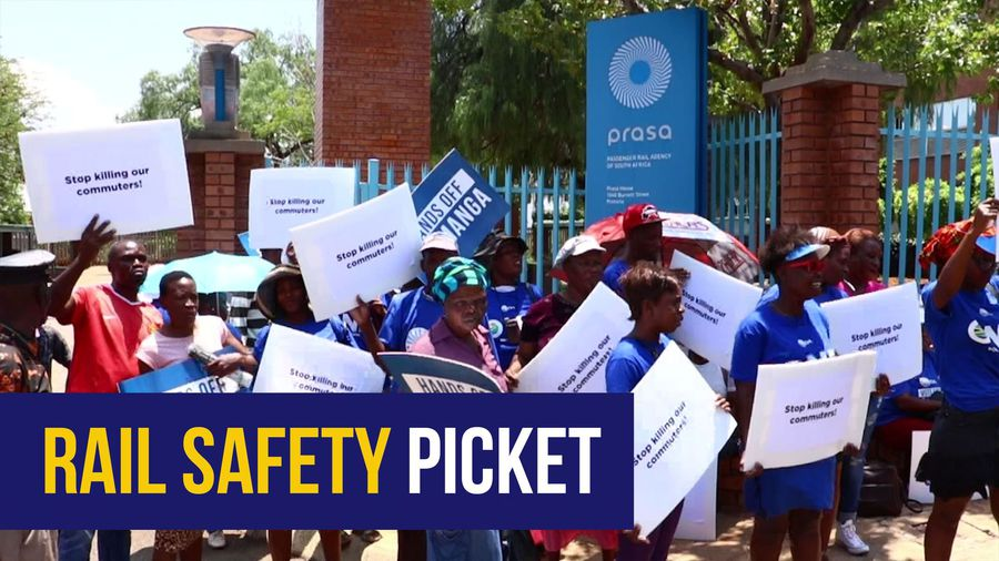 'Our rail system has gone to the dogs' - DA protests at Prasa offices