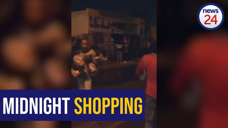 WATCH: Soweto residents clean out foreign-owned shops