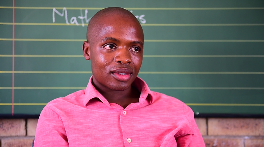 WATCH: TAXI DRIVER TURNED TEACHER ON THE 1ST DAY
