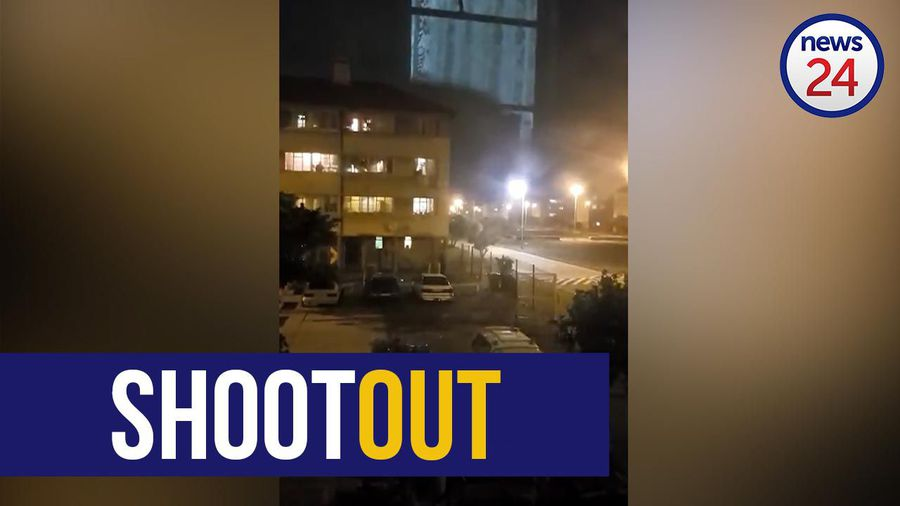 WATCH   Cape Town Police come under fire while responding to incident in Kewtown