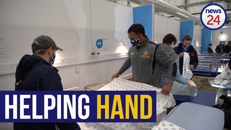 WATCH | From backline to bedding: Stormers players help with final touches on field hospital
