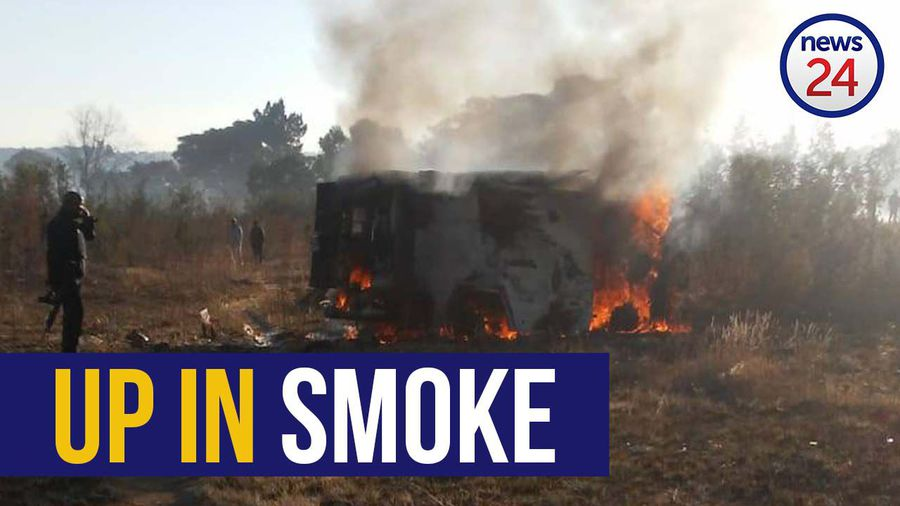 WATCH | Hot money: Cash-in-transit gang's loot goes up in smoke after they blow up van