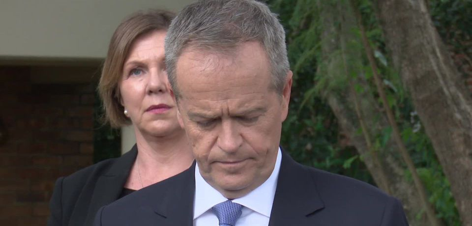 Shorten says Assange entitled to consular assistance