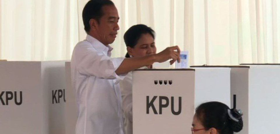 Indonesia President Widodo casts vote in general election