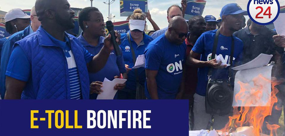 WATCH: DA's Solly Msimanga burns e-toll statements