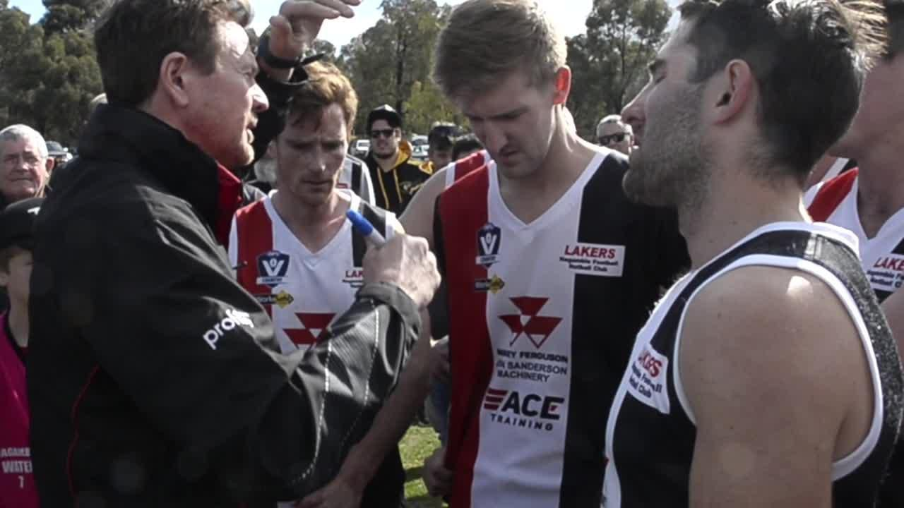 Nagambie coach Linc Sullivan quarter time address against Avenel