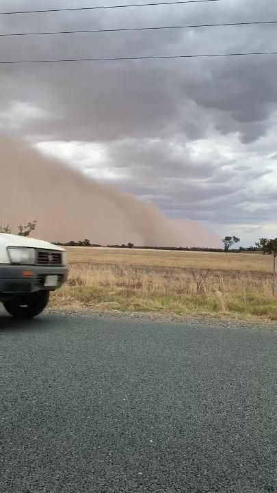 Wild weather rolls into Echuca