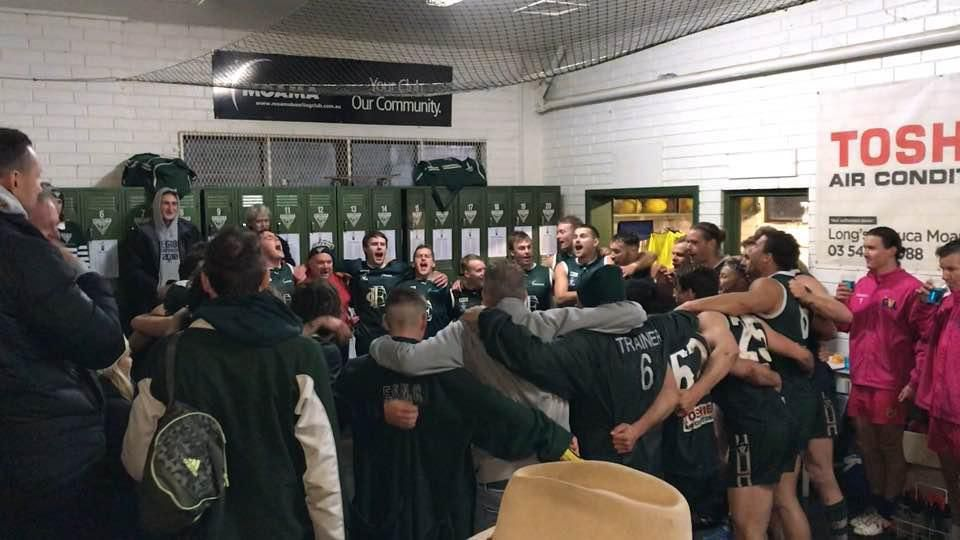 Echuca sings team song